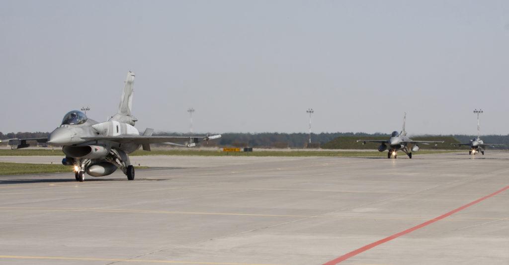 Military aircraft. Figthting Falcon - Stevanato | Soluzioni per umidità e infiltrazioni