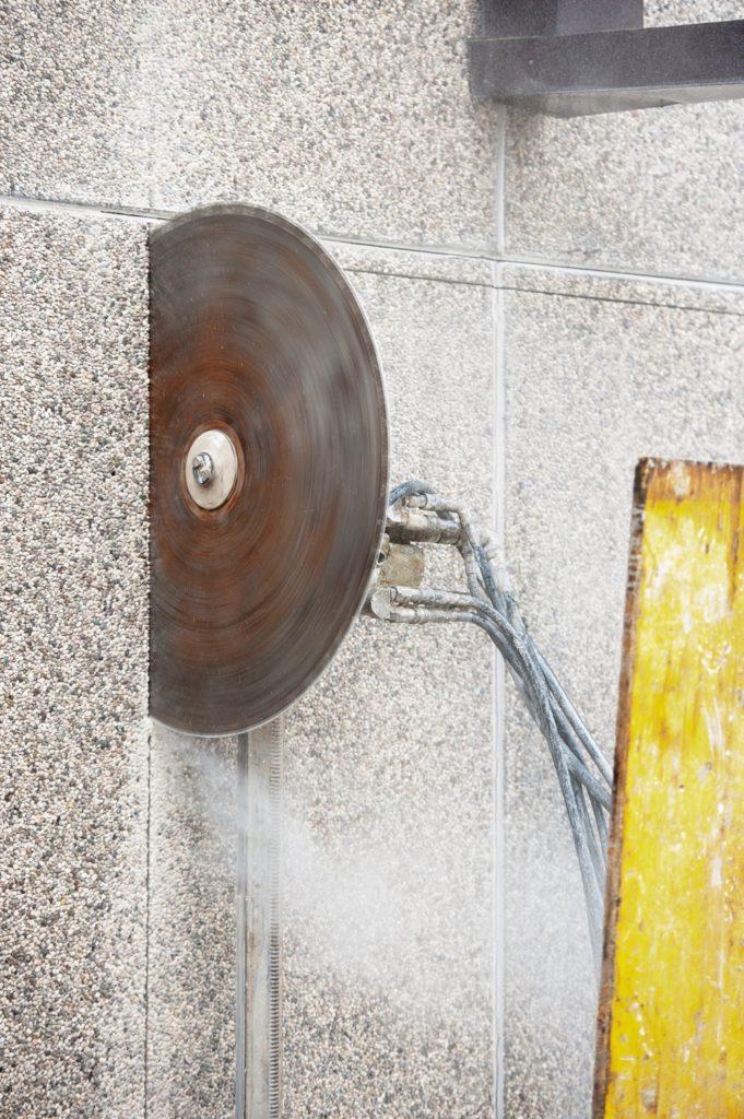 Lavori Speciali - Taglio Cemento Armato 4 - Stevanato | Soluzioni per umidità e infiltrazioni