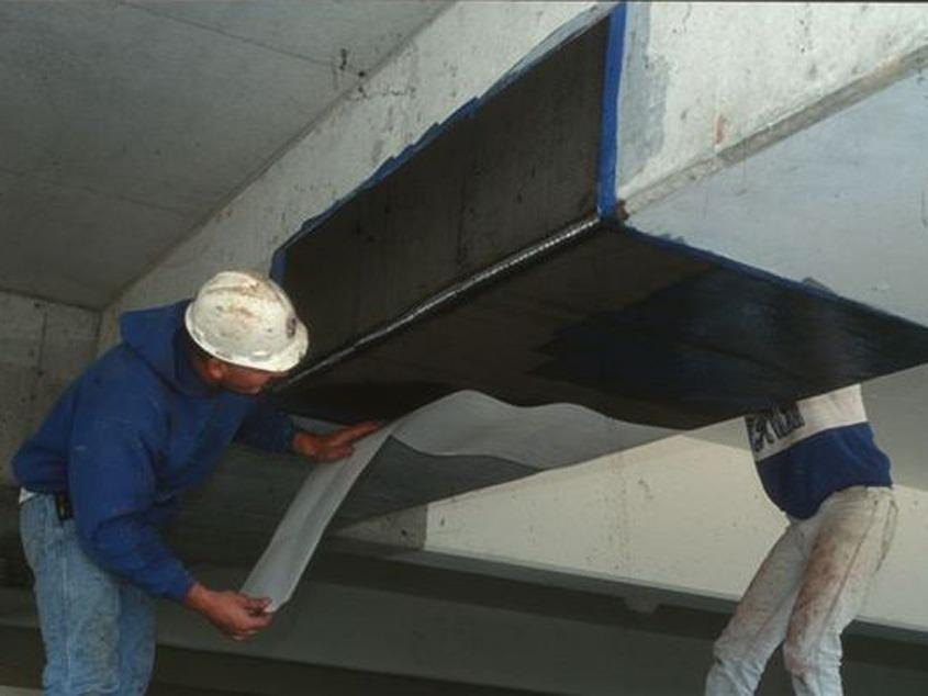 Operai al lavoro coibentazione antincendio - Stevanato | Soluzioni per umidità e infiltrazioni