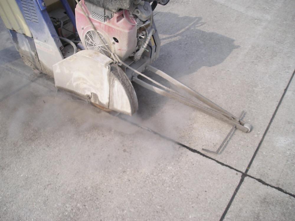 Lavori Speciali - Taglio Pavimenti 2 - Stevanato | Soluzioni per umidità e infiltrazioni